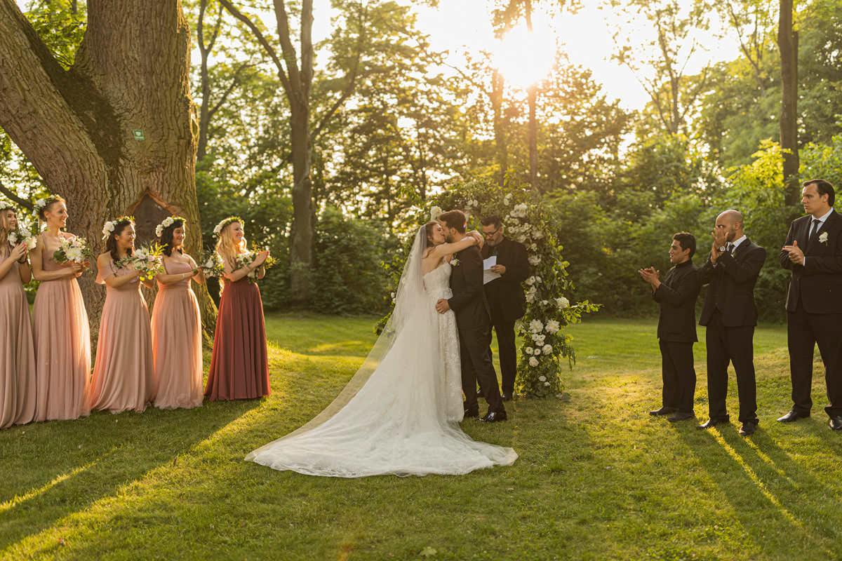 Kamila Romanow Weddings